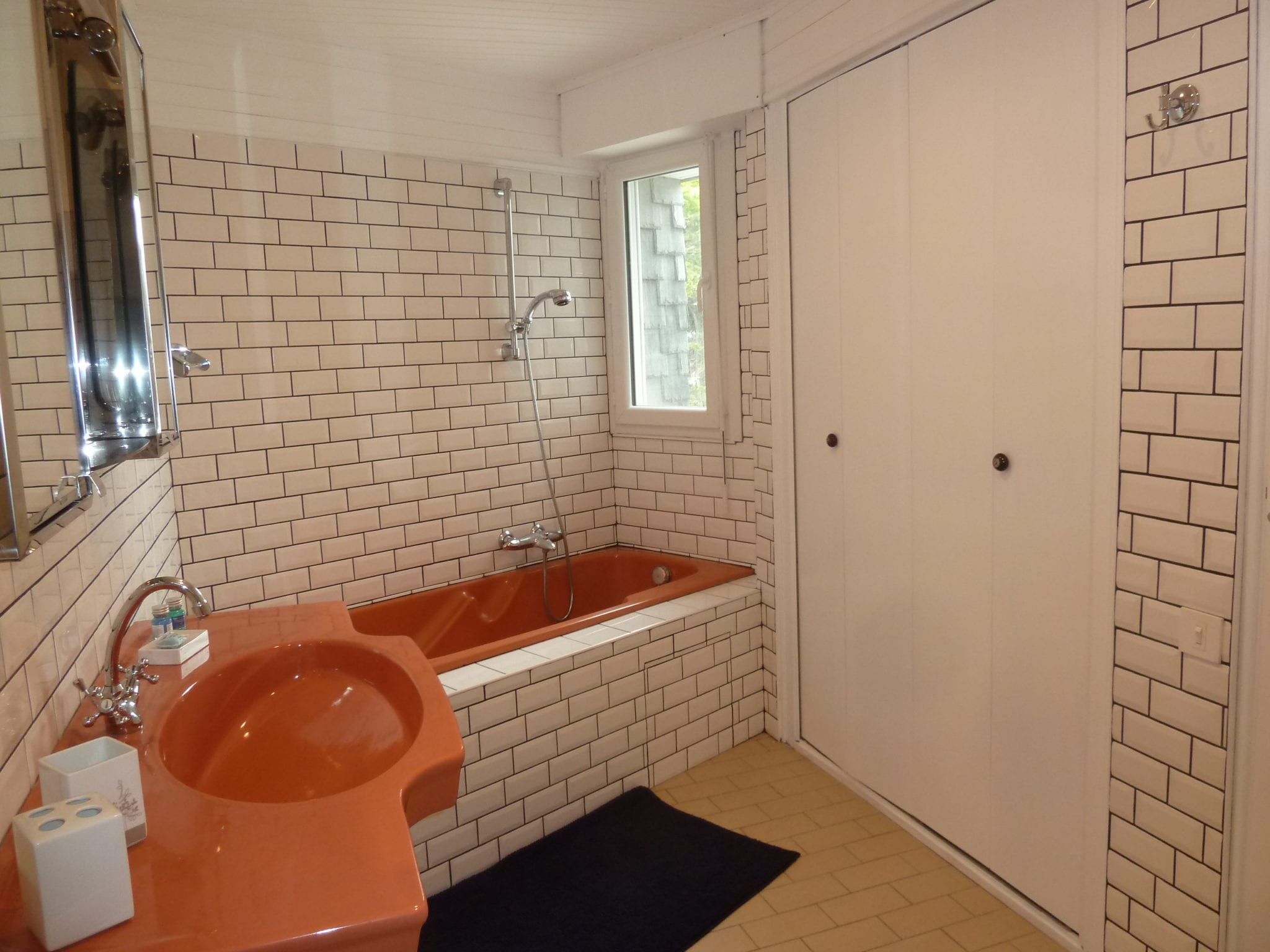 Loctudy Bathroom 2