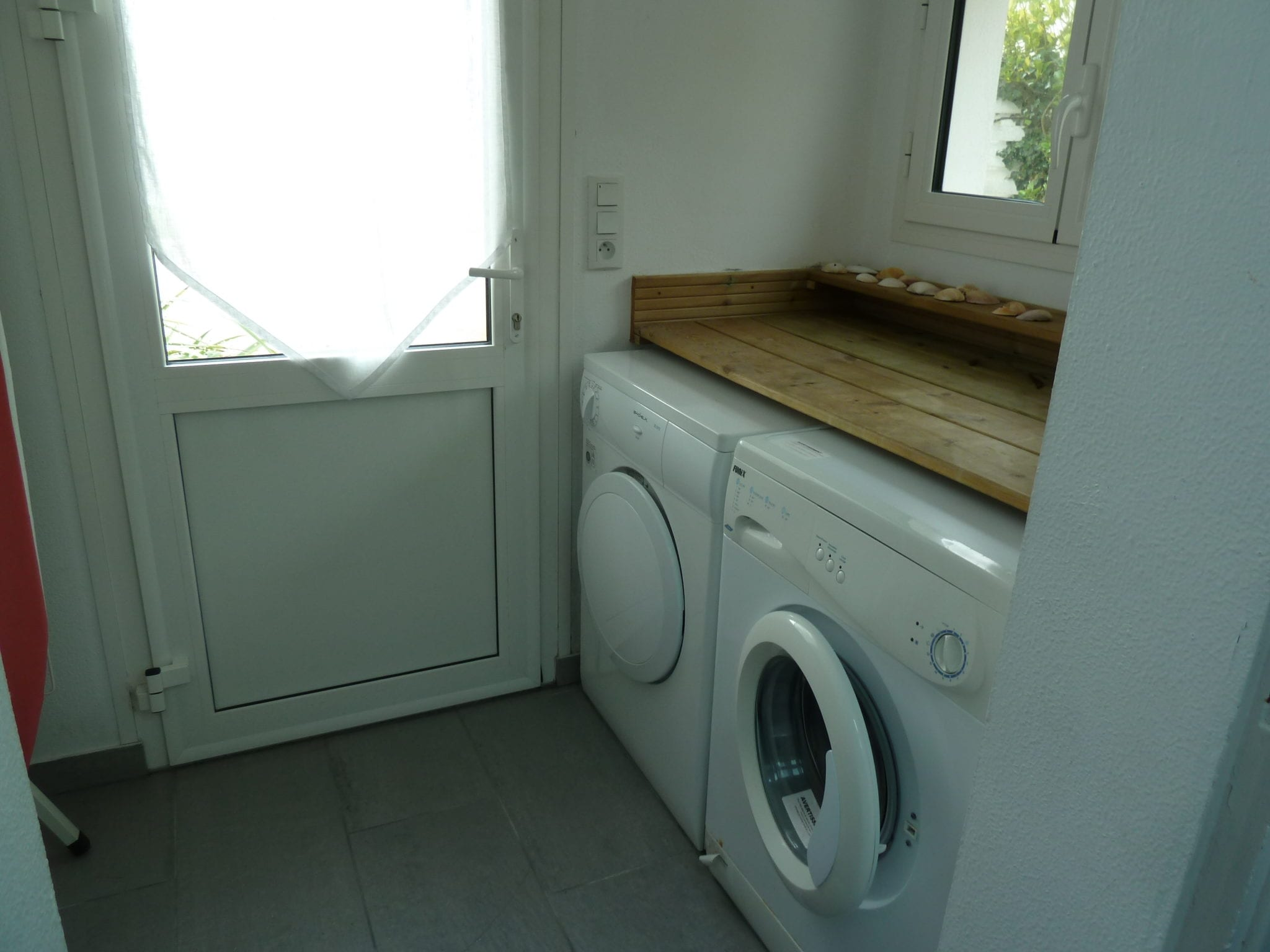 Ile Tudy laundry room